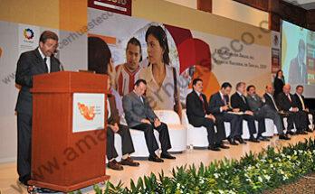 l gobernador, Fernando Toranzo Fernández sostuvo que es preciso llegar a un gran acuerdo nacional para confrontar la crisis
